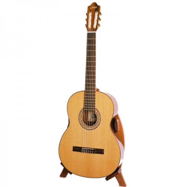 une guitare lectro acoustique avec cordes quot nylon quot. Black Bedroom Furniture Sets. Home Design Ideas