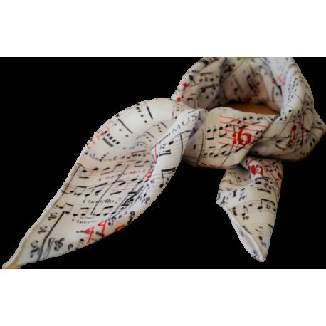 Echarpe notes Dimensions: 70 x 70 cm